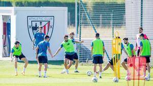 El Athletic se entrena antes del amistoso ante el Logroñés