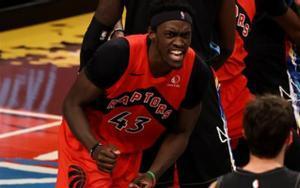 Pascal Siakam, celebrando una canasta para los Raptors