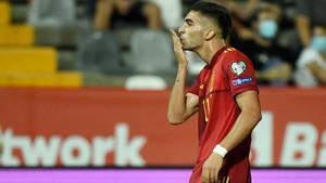 Ferran Torres celebra su gol ante Georgia
