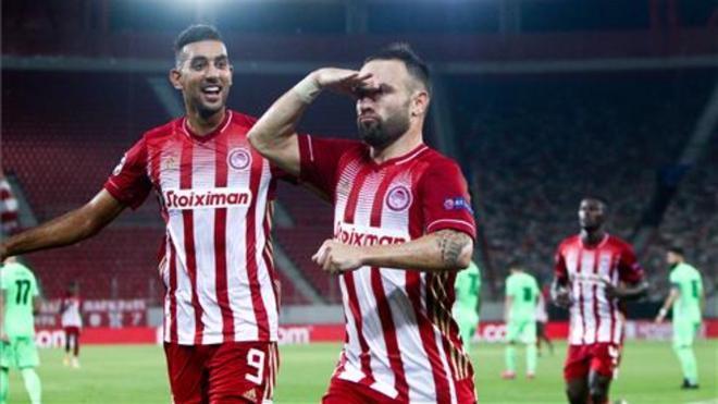 Valbuena celebrando un gol