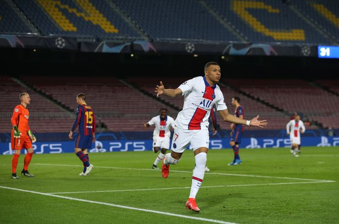 Mbappé celebrando un gol ante el FC Barcelona