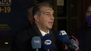 Las reacciones de los candidatos al salir de la reunión con Tusquets