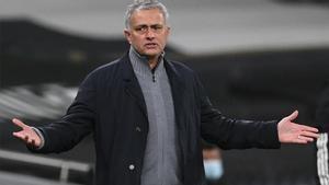 Mourinho durante el duelo ante el Dinamo