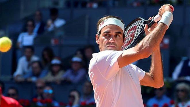 Federer ganó pero no lo tuvo fácil ante Monfils (6-0, 2-6 y 7-6)