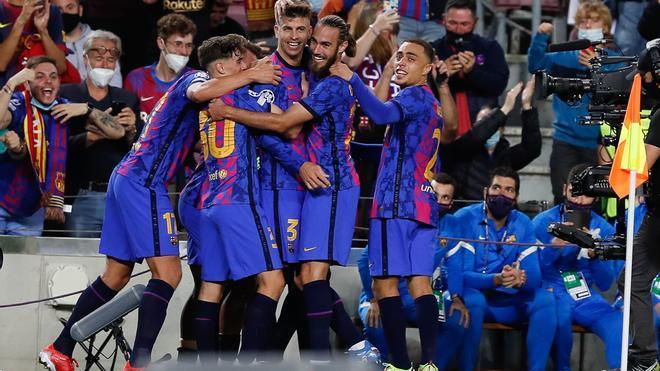 Los azulgranas celebran el gol