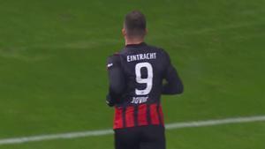 Jovic volvió a marcar con el Eintracht