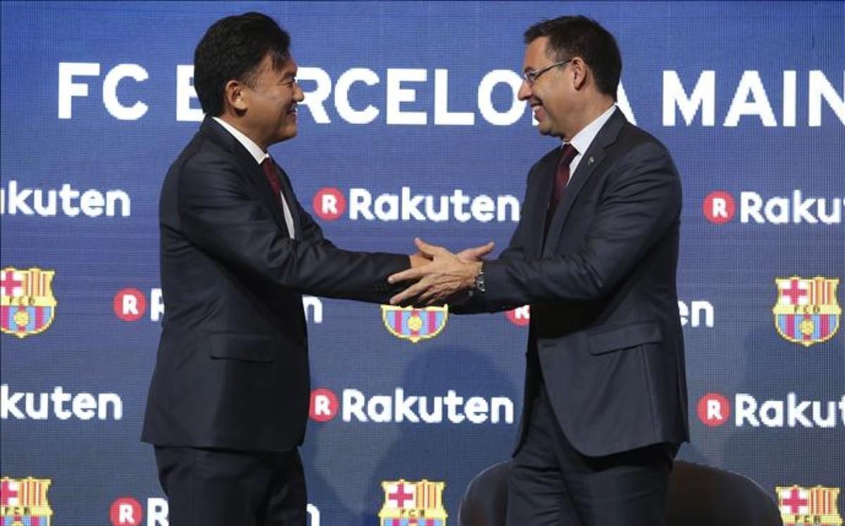Hiroshi Mikitani y Josep Maria Bartomeu sellan el acuerdo