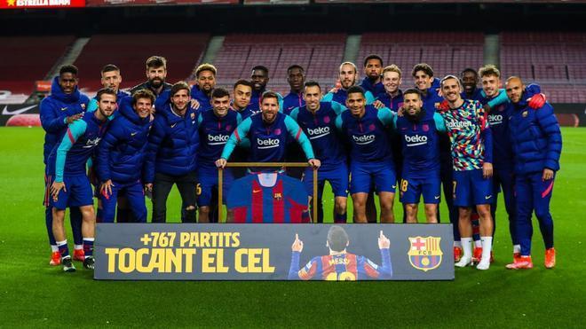 Así ha sido el homenaje a Leo Messi por batir el récord de partidos con el Barça