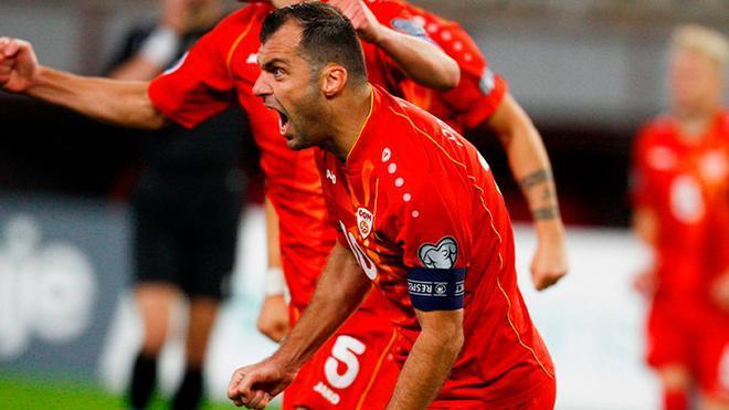 Goran Pandev - Macedonia del Norte (37 años) Pedazo de futbolista al que a sus 37 años, le llega la primera oportunidad de jugar la Eurocopa