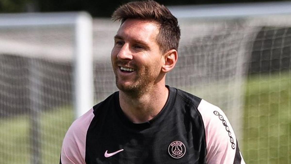 Messi no pierde la sonrisa en los entrenamientos con el PSG