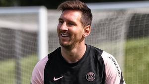 Messi sonríe en el entrenamiento del PSG