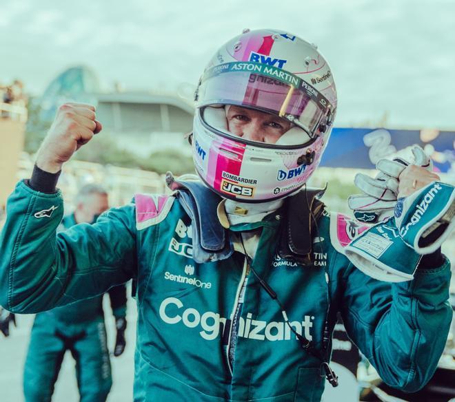 Vettel celebra el podio en Bakú