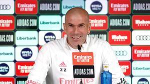 Zidane: Messi que se quede en el Barcelona, está bien ahí