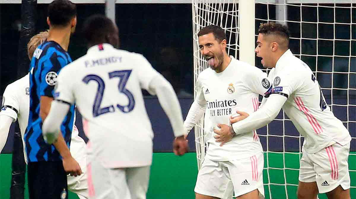 Hazard abrió el marcador en San Siro desde el punto de penalti