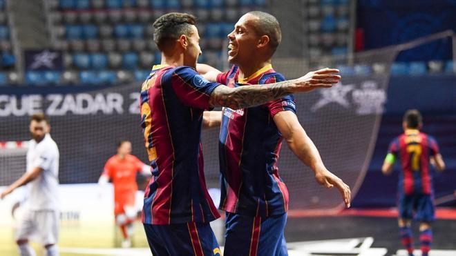 Ferrao y Aicardo ante el Kairat Almaty, en semifinales