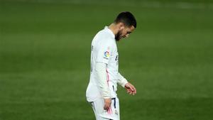 Hazard se verá obligado a parar por culpa de una nueva lesión
