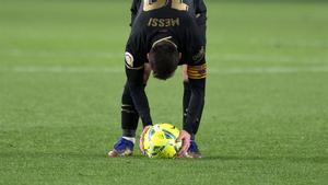 Leo Messi volvió a marcar de falta ante el Granada