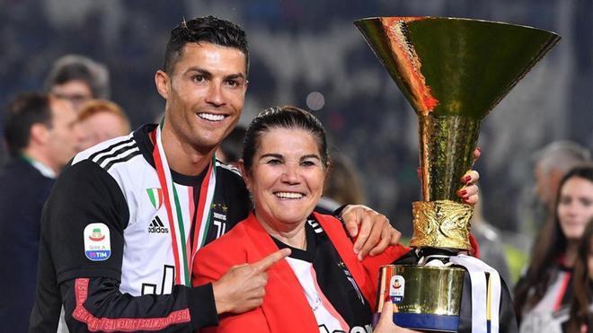 Dolores Aveiro siempre está junto a Cristiano Ronaldo