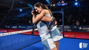 El último abrazo de Gemma TRiay y Lucía Sainz como pareja
