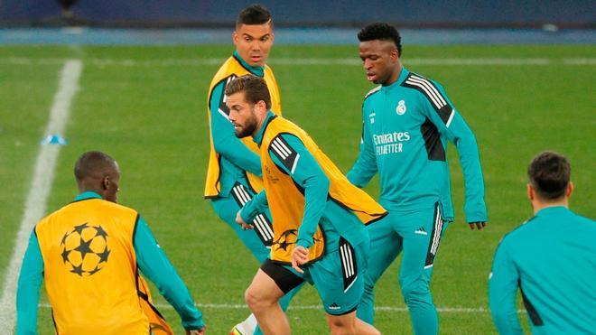 ¿A qué hora juega el Real Madrid?