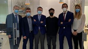 Marc Márquez, con el equipo médico que le operó en la Ruber