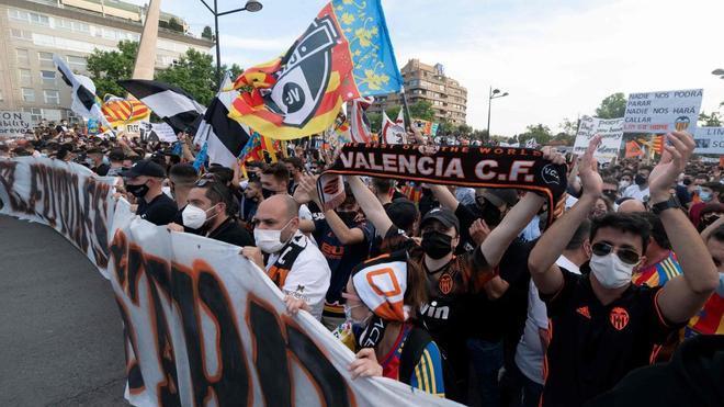 Imágenes de la concentración valencianista