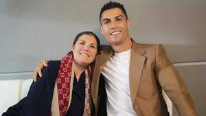 Dolores Aveiro, junto a Cristiano Ronaldo