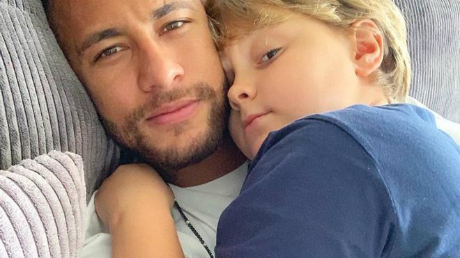 Neymar sorprende a todos con esta fotografía de su hijo