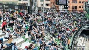 El fútbol vuelve a jugarse con público en España