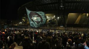 San Paolo despide a Maradona: cientos de aficionados en el estadio