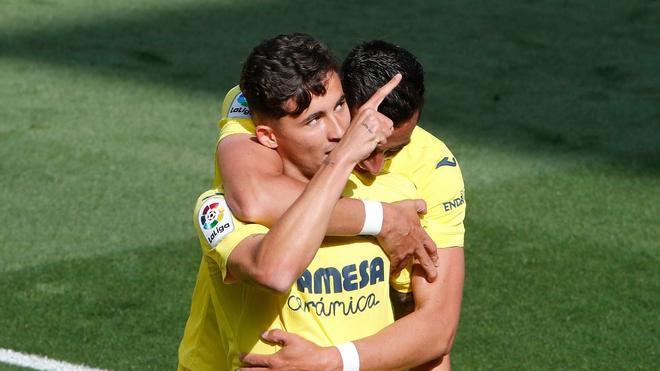 Pino celebrando el gol que le ha dado los 3 puntos al Villarreal