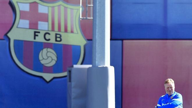Ronald Koeman, en el entrenamiento previo del Barça - Granada