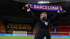Joan Laporta festeja sobre el césped de La Cartuja la reciente Copa del Rey