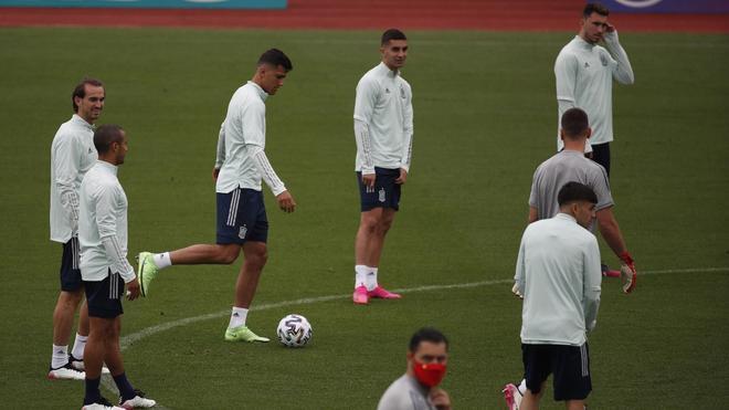El último entrenamiento de la selección española antes de medirse a Eslovaquia
