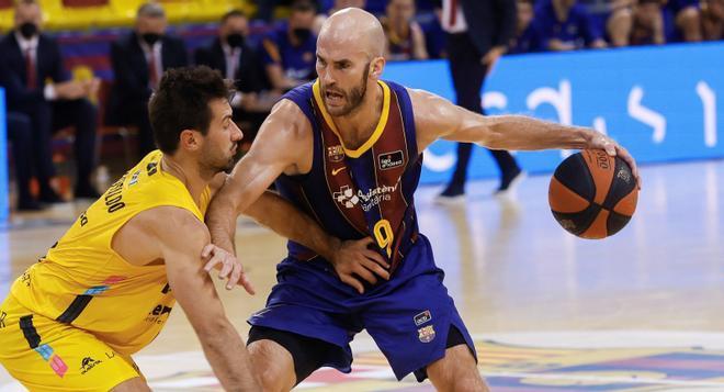 Nick Calathes quiere dirigir al Barça a la final de la Liga Endesa con un triunfo en Tenerife