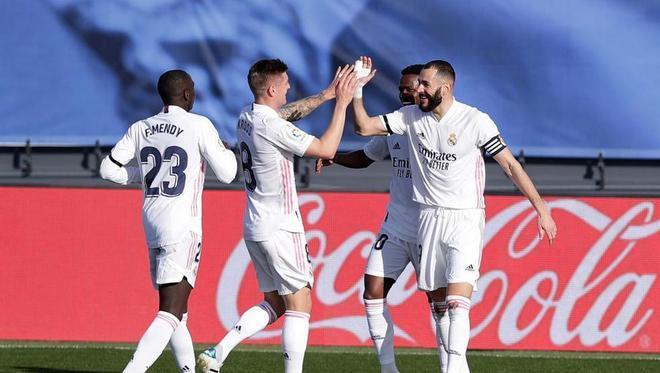 El Real Madrid acumula tres victorias consecutivas en búsqueda del liderato del Atlético