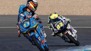 Sergio García, seguido por Stefano Nepa durante un entrenamiento en Jerez