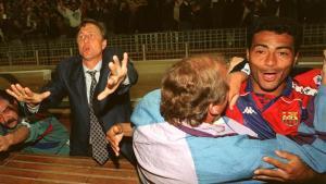 Euforia en el Camp Nou tras el fallo de Djukic
