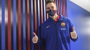 Pau Gasol superó la revisión médica correspondiente a su fichaje por el FC Barcelona, entre el Hospital de Barcelona y el Centro Médico de la Ciudad Deportiva.