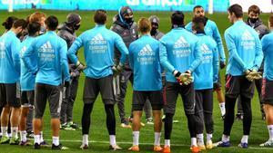 Zidane empieza a notar el desgaste en su relación con la plantilla