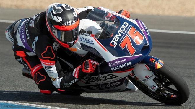 Albert Arenas en acción con su KTM