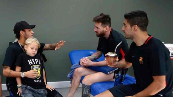 Neymar estuvo con Messi y Luis Suárez