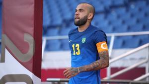 Dani Alves: Soy mitad brasileño y mitad español