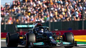Hamilton se ha lucido ante sus fans, que han llenado las gradas de Silverstone