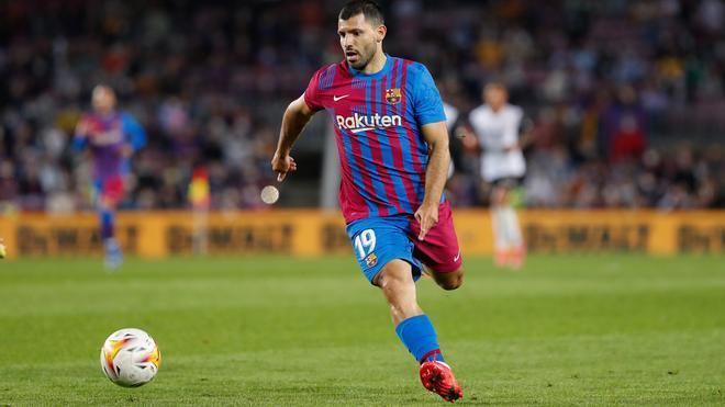 ¡El Kun Agüero debuta oficialmente con el FC Barcelona!
