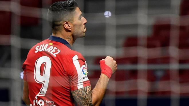 Luis Suárez con la camiseta del Atlético