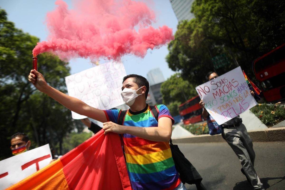 El PP se abstiene en la Eurocámara al exigir reconocer a las parejas del mismo sexo en toda la UE