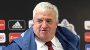 Albert Benaiges ve con buenos ojos el nombramiento de Kluivert como nuevo director del fútbol formativo del Barça