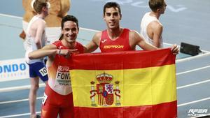 Gómez y Fontes tras conseguir sus medallas en el 1.500