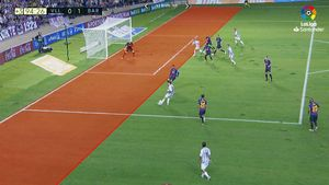 LALIGA   Valladolid - FC Barcelona (0-1): Así fue la decisión del VAR que dio la victoria al Barça